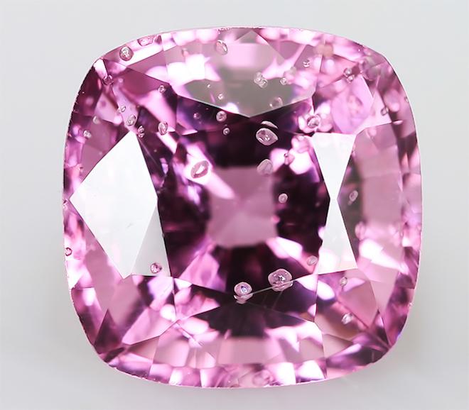 Шпинель розовый