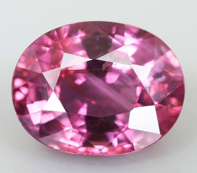 розовый сапфир фото