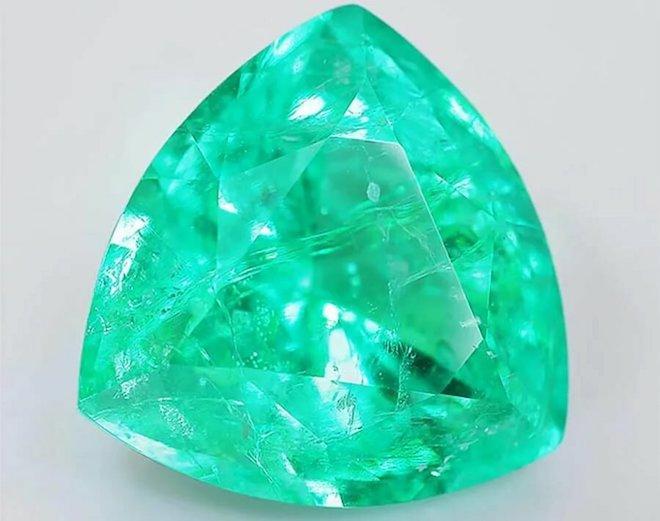 Драгоценные камни, полудрагоценные камни