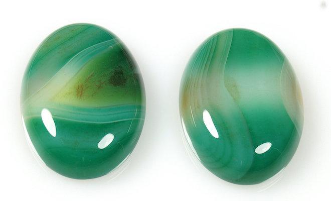 Зеленый агат представляет собой редкий вид халцедона