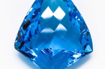 Голубой топаз – камень с интересной историей.