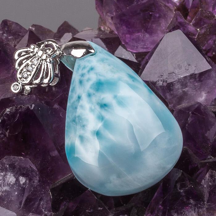 Ларимар - кому подходит камень, украшение с ларимаром