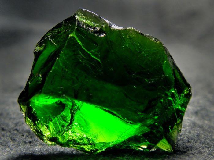 хромдиопсид камень свойства кому подходит